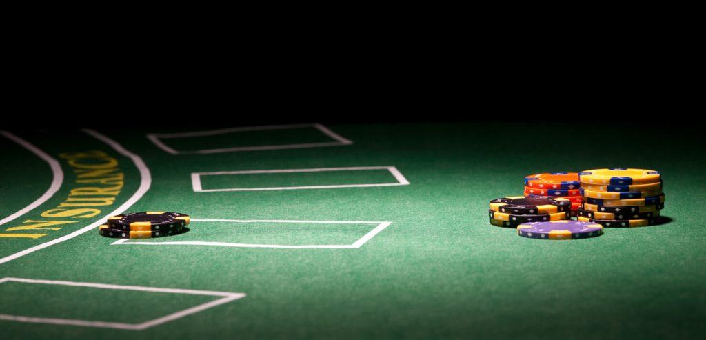 Live casino Blackjack - Populärt och enkelt kortspel